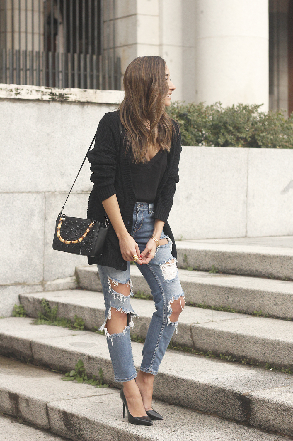 black lace top ripped jeans black cardigan uterqüe bag accessories outfit style fashion heels01