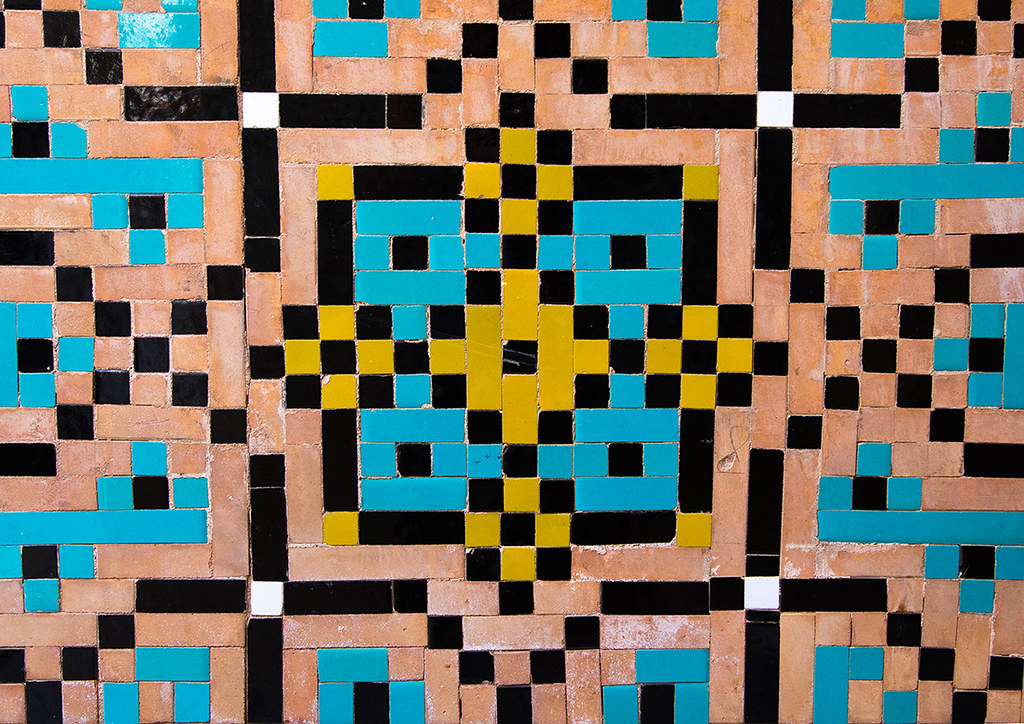 Mosaic Pattern With Ceramic Tiles In A Mosque Isfahan Pro Flickr