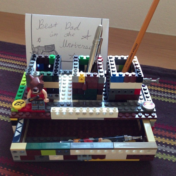 Homemade desk organizer made of LEGO! Complete with functi… | Flickr