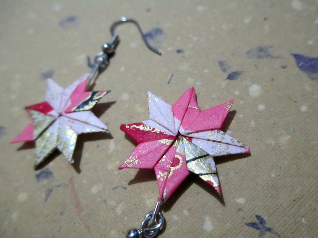 How to Make Origami Lucky Star Earrings - Snapguide | 768x1024