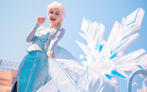 Frozen   Into the Magic