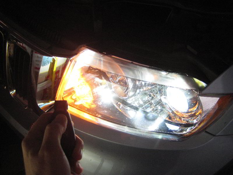 ... 2012 Jeep Grand Cherokee   Testing New Key Fob Battery | By Paul79uf