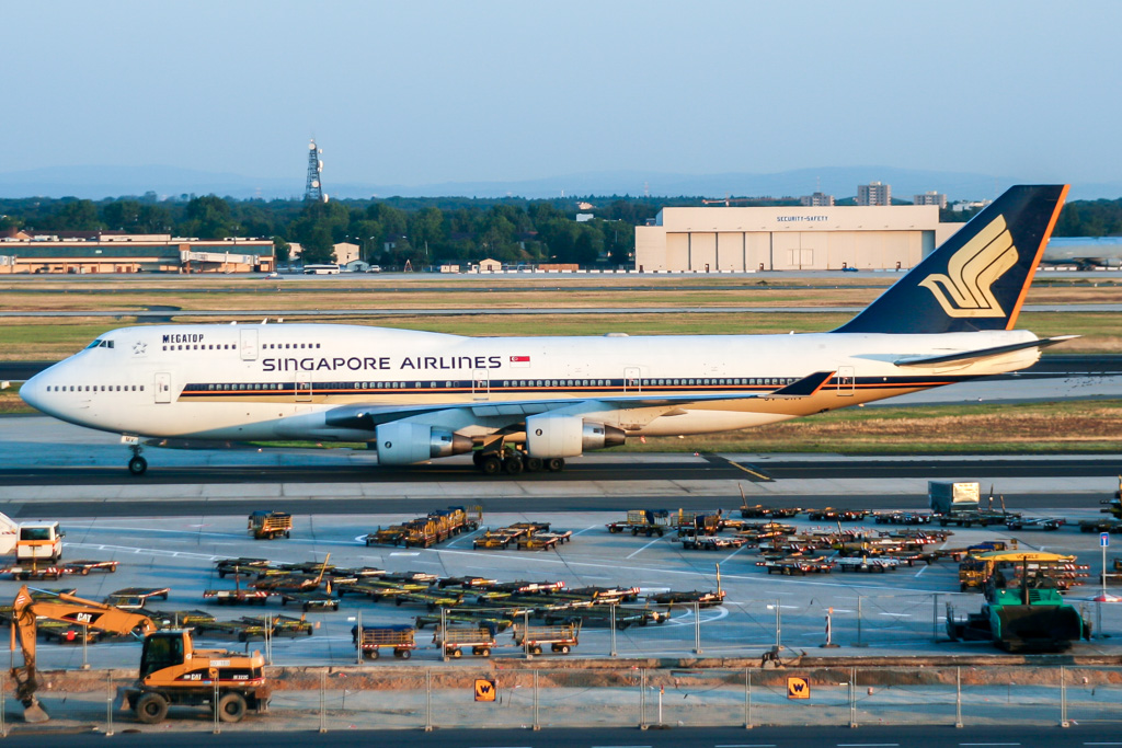 747 in FRA - Page 10 30157520504_587675c074_o