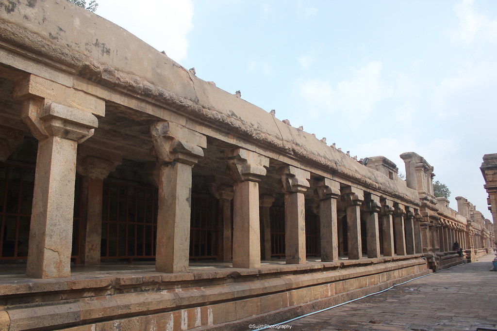 Image result for photos of colonnade at Brihadishwara Temple in Tanjore