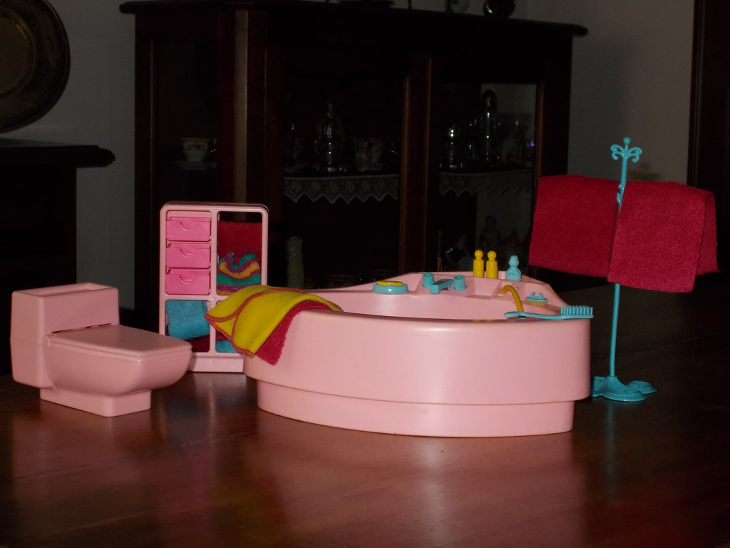 BAGNO BARBIE 1980 SERIE DREAM FURNITURE | Cecilia Barba | Flickr