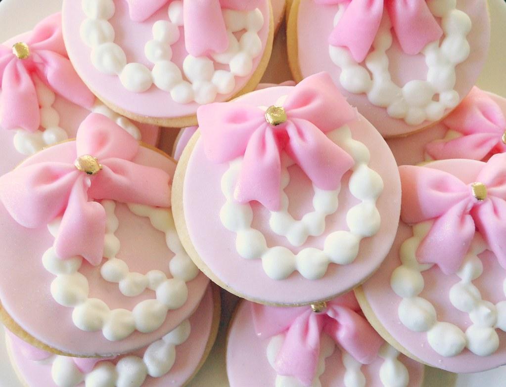 minis bows parls l v sweets flickr