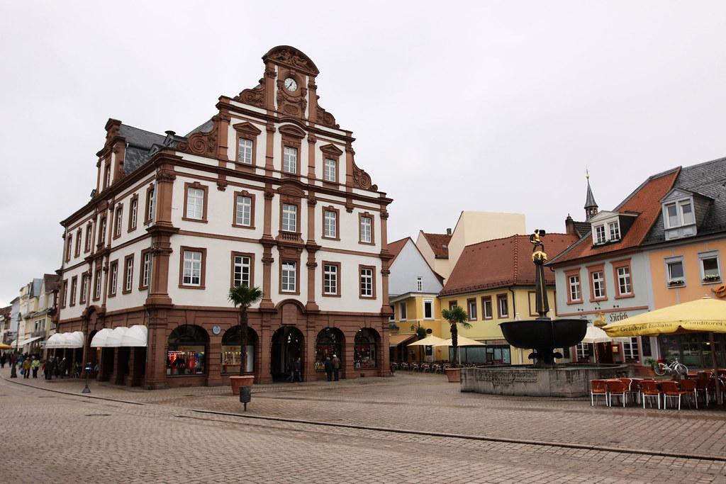 Marktplatz Speyer 02 Die Alte Münze Wurde Als Neues Kau Flickr