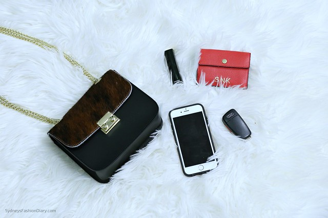 WhatsInMyBag2016_SydneysFashionDiary