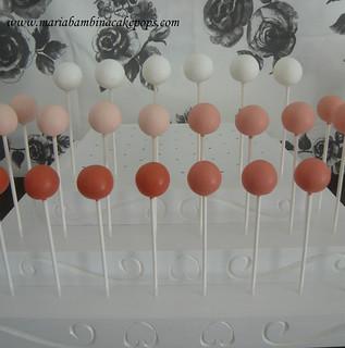 Maria Bambina Cake Pops