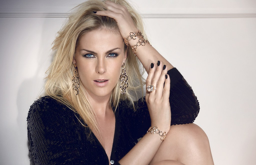 Ana Hickmann   Flickr abc67bf9634d