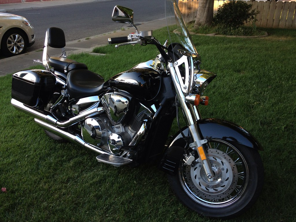 Mutaza saddlebags on 2005 Honda Shadow VTX 1300 | ed57gmc