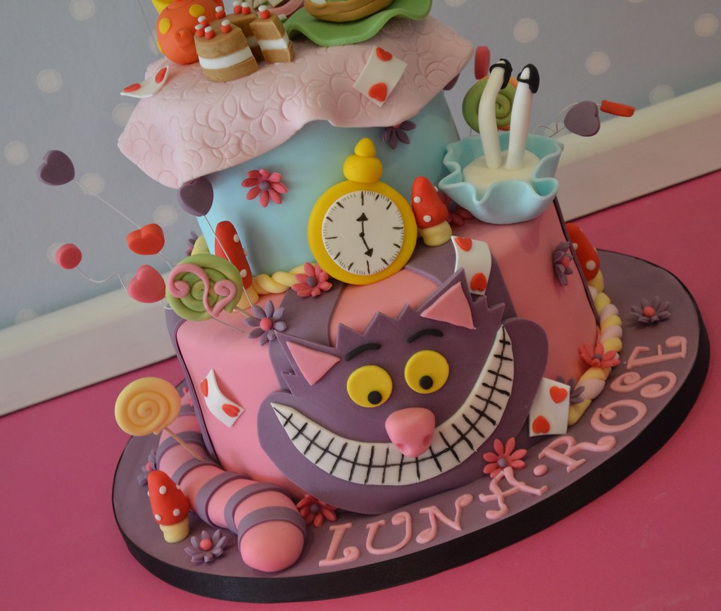 Alice In Wonderland Themed Birthday Cake For Luna Roses 2 Flickr