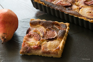 TARTE D'AUTOMNE FIGUES & POIRES - AUTUMN PIE FIGS AND PEARS | by Flore Deronzier
