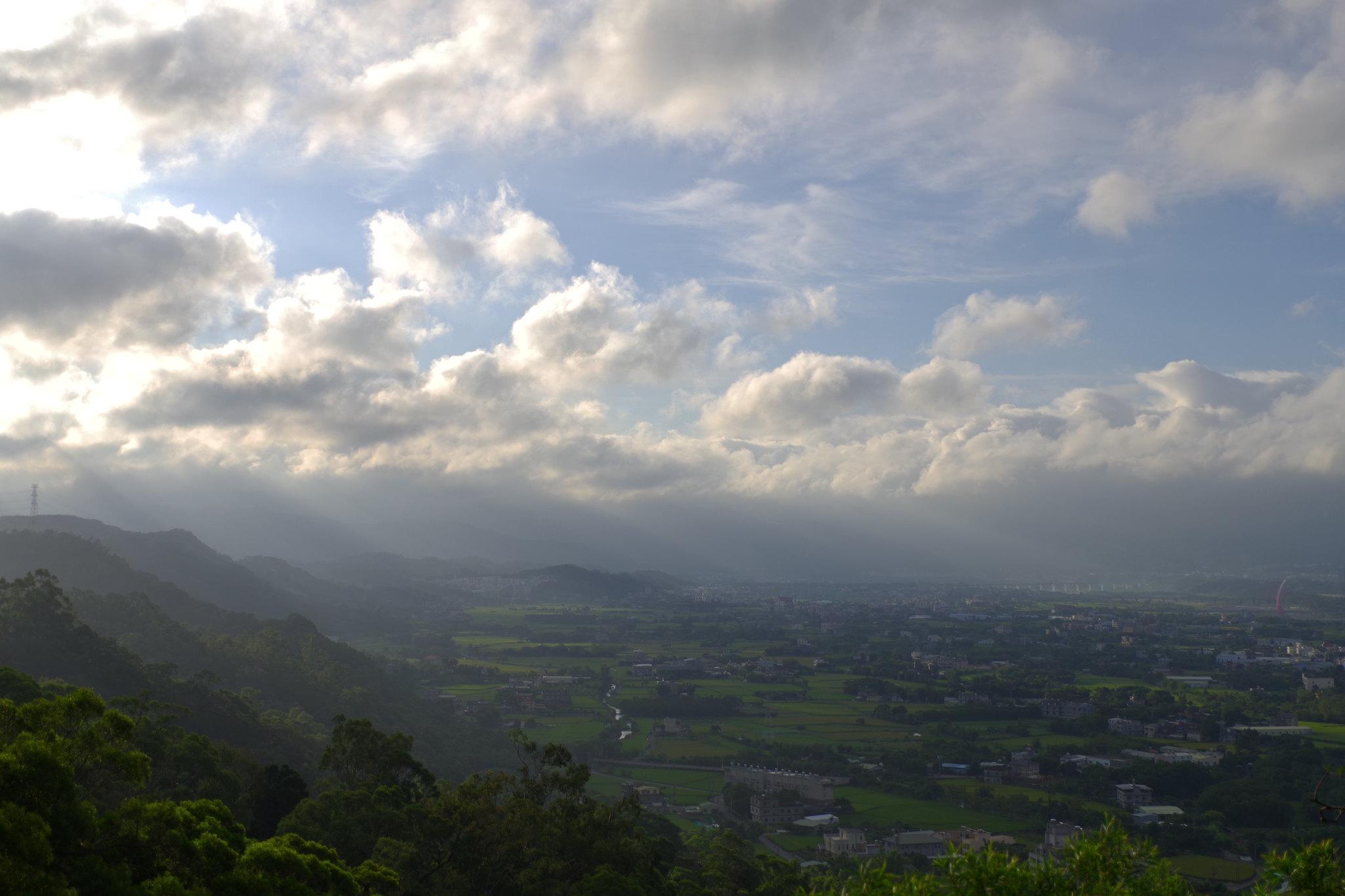 新竹犁頭山文山步道鳥瞰新竹高鐵