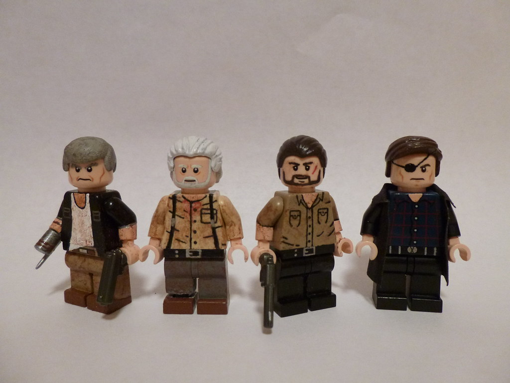 Walking dead lego daryl the walking -  Lego The Walking Dead Characters Group Shot By Themoosefigs