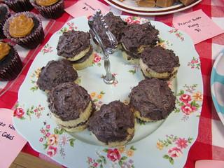 Vanilla Oreo Cakes