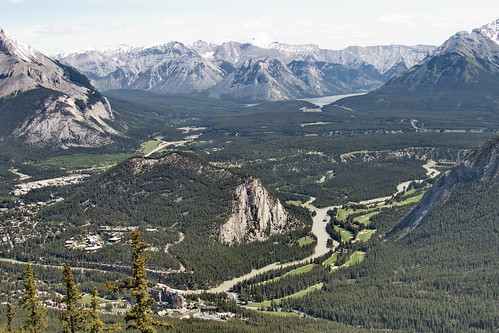 how to get to sulphur mountain trail banff