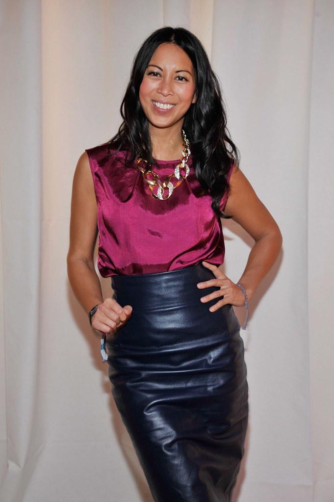 Sleeveless shiny violet blouse & black leather skirt | Flickr