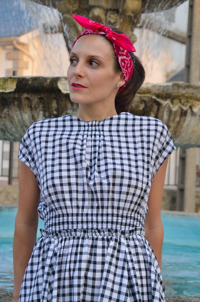 22bb34885d569 lara-vazquez-madlula-blog-style-fashion-details-pink-pin-u…