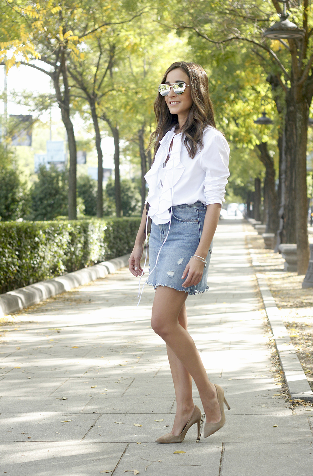 ruffled shirt uterqüe denim shirt sunnies heels gucci bag outfit fashion style03