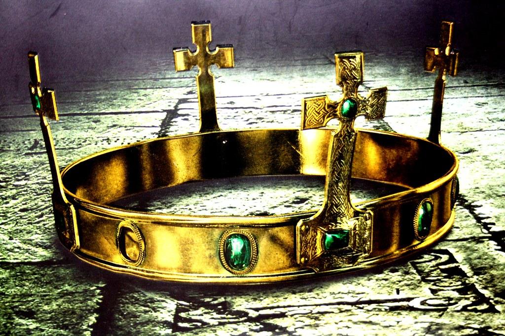 Image result for Jesus crowned king