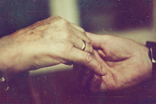 Old hands, young love | by RückenwindRiny☯