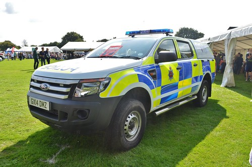 surrey police ford ranger a monster of a vehicle a. Black Bedroom Furniture Sets. Home Design Ideas