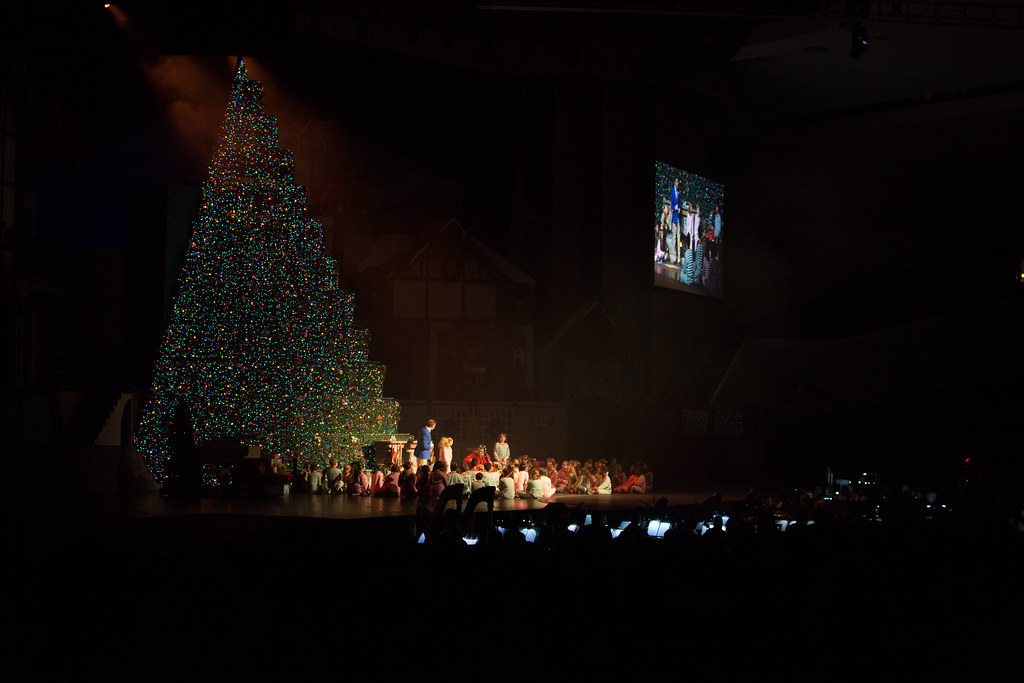 bellevuememphis singing christmas tree 2016 by bellevuememphis - Singing Christmas Tree Lights