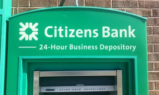 Citizens Bank Pics by Mike Mozart of TheToyChannel and JeepersMedia on YouTube. #Citizens #CitizensBank #Bank #CitizensBankSign #CitizensBankLogo | by JeepersMedia