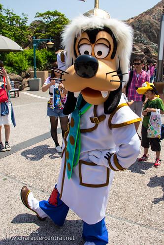 Goofy   Tokyo Disney Resort. May 2014. Visit our website ...
