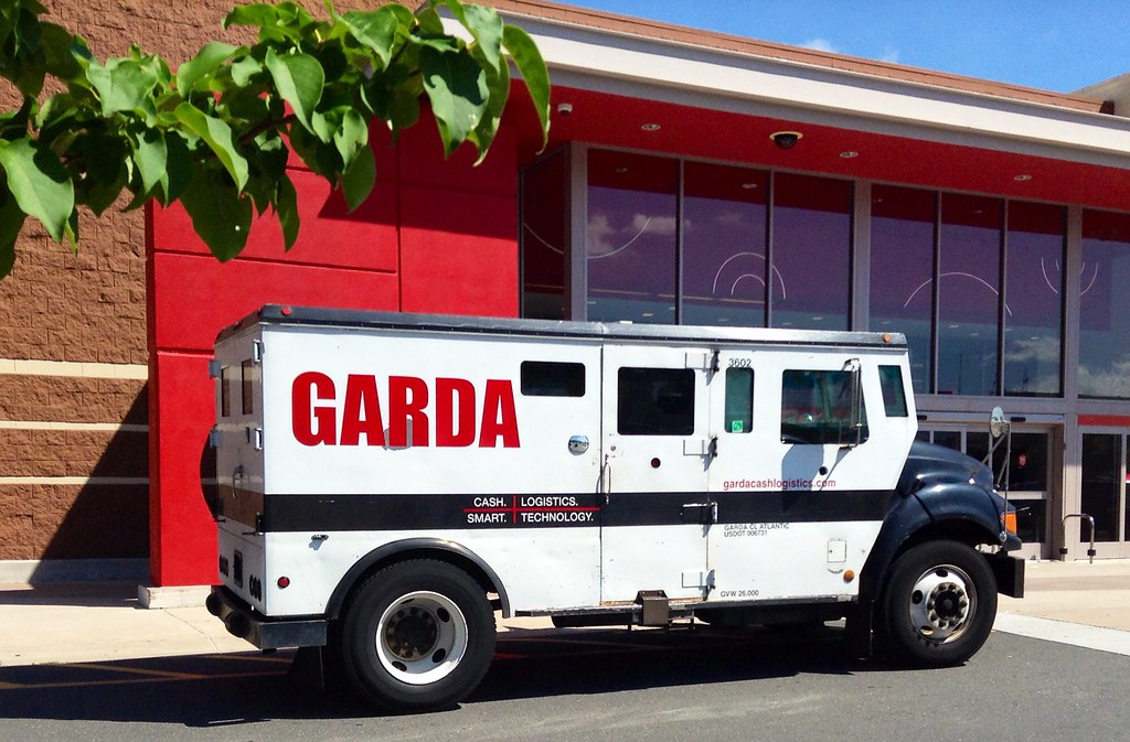 Garda Armored Truck, 8/2014 by Mike Mozart of TheToyChanne…   Flickr