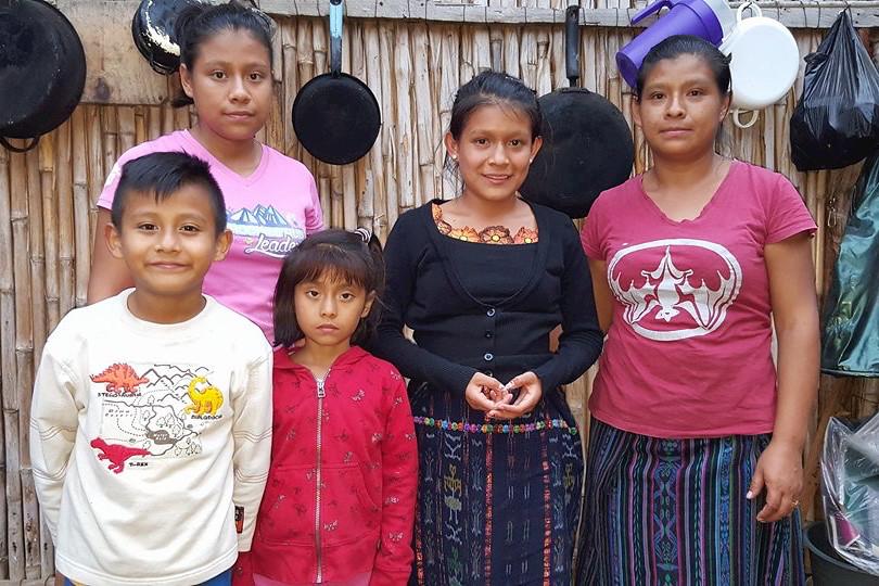 Juanita Ester Mendez Esquina y familia