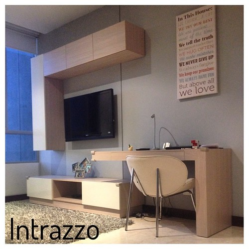 Mueble tv estudio by intrazzo design Muebles estilo contemporaneo moderno