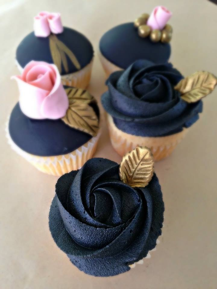Black Buttercream Rosette Cupcakes With Gold Leaf Accents Flickr