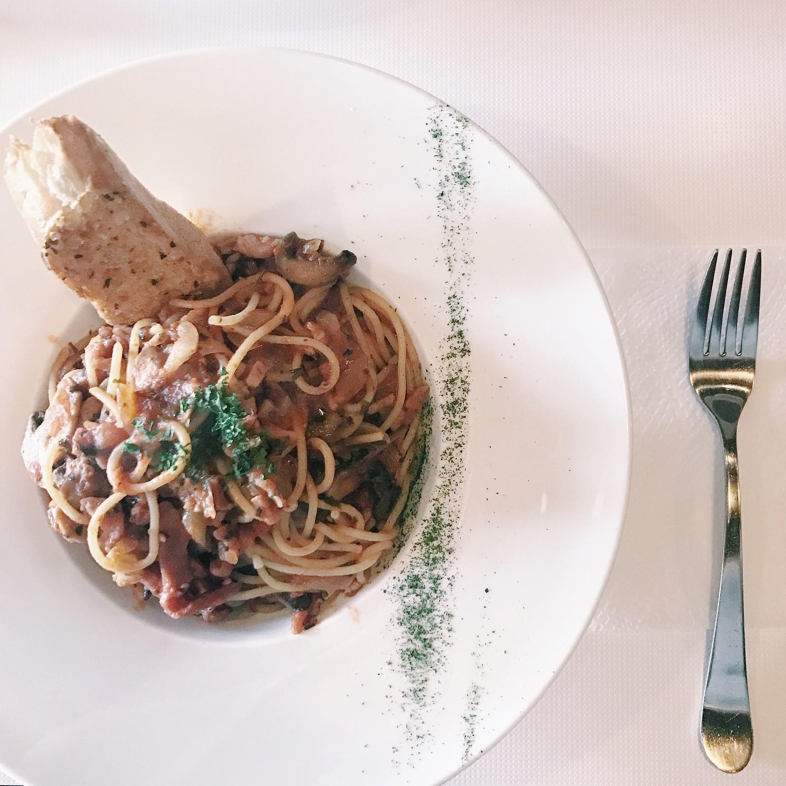 0187-ganache-pasta-foodie-hipster-lifestyle-elizabeeetht-flatlay