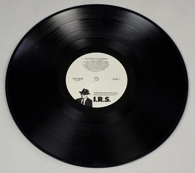 "CONCRETE BLONDE - S/T SELF-TITLED + INSERT 12"" LP VINYL"