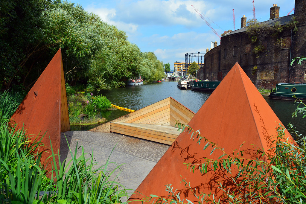 The Viewpoint / Regent's Canal