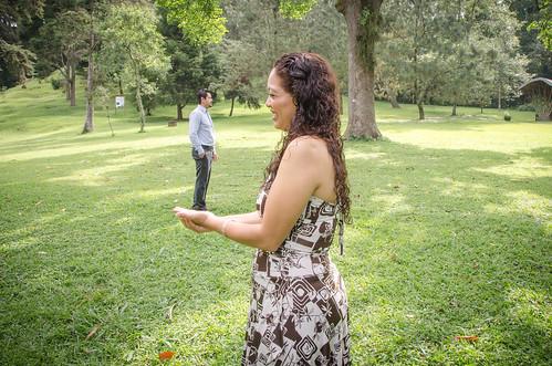 Sesi n fotogr fica previa a la boda tomada en el jard n b for Bodas en el jardin botanico