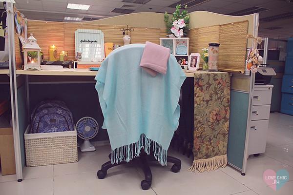 ... shai lagarde love chic style blogger cubicle decor beach inspired  summer theme work space office interiors