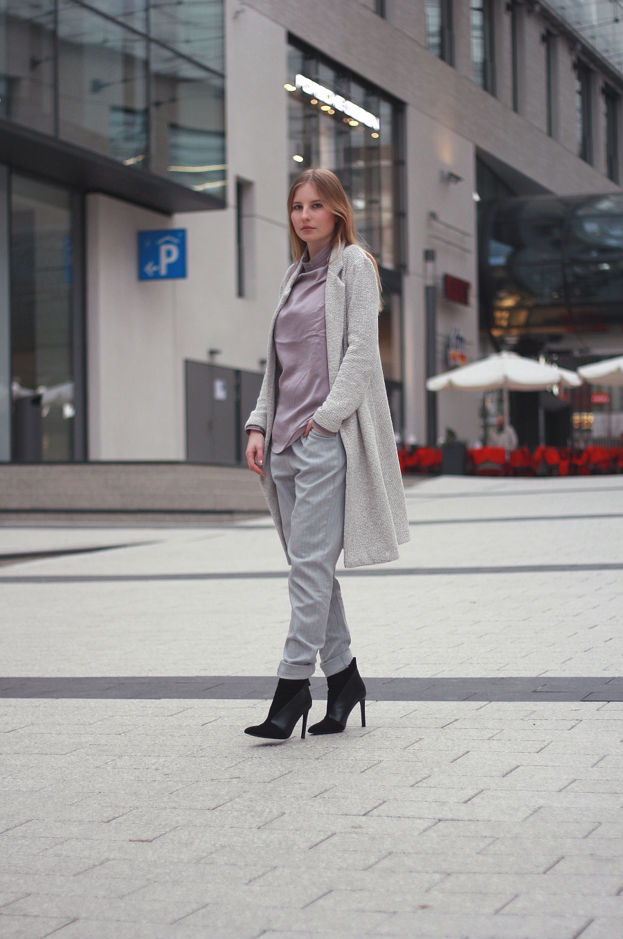 Outfit Pastel Grau Winter Look