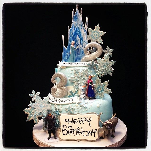 Another Frozen Cake Castle Snowflakes Anna Elsa Ola Flickr