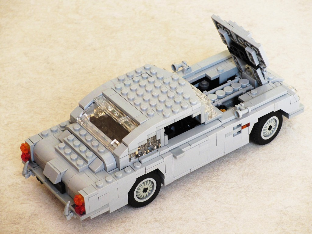 james bond aston martin db5 (9) | the db5 was powereda m… | flickr