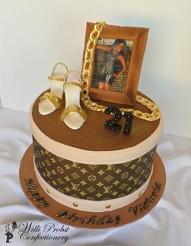 Birthday Cake Images Lv