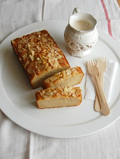 Almond, lemon and buckwheat tea cake / Bolo de limão siciliano, amêndoa e trigo sarraceno | by Patricia Scarpin