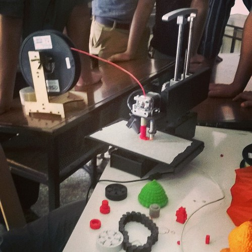 #ReedRobotics showcasing their #PrintrBotMetal at @mozilla #MakerParty in #Pune ! #3Dprinting #Maker #DIY #Wow | by IndianTinker