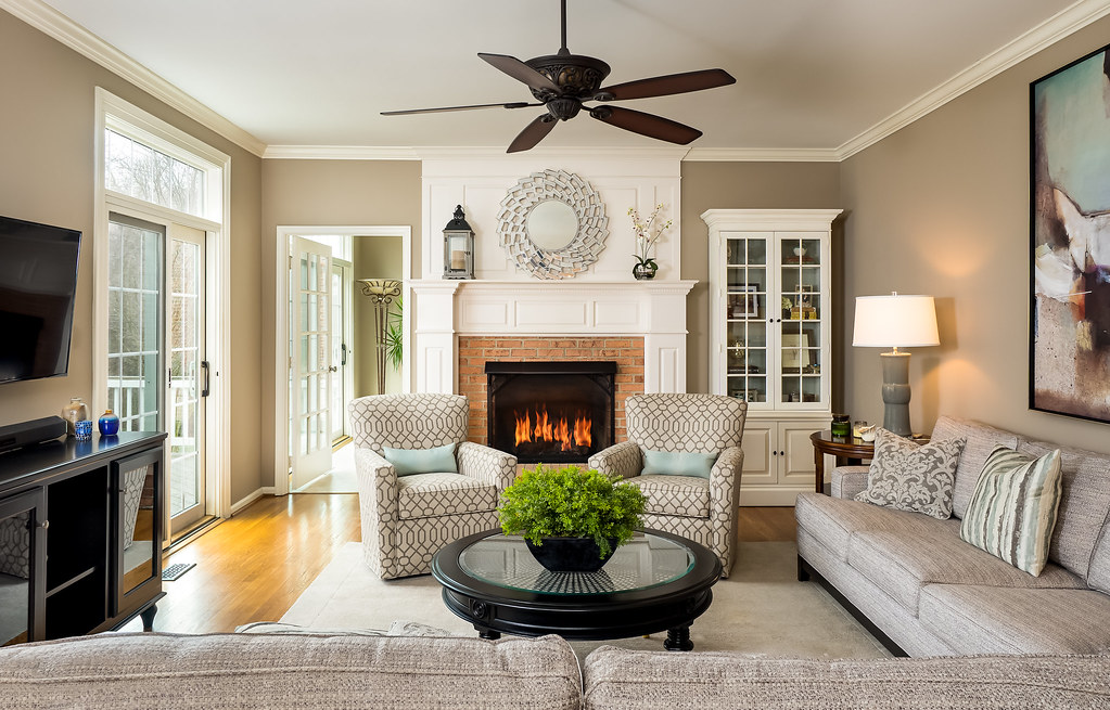Beau ... Wayside Family Room   PFRE Feb 17 | By Robert Miller Photo