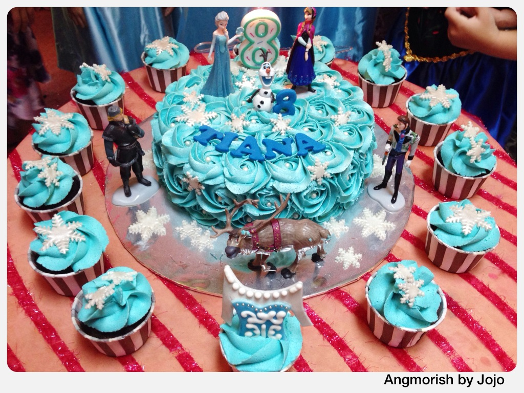 Disney Frozen Birthday Cake Cupcakes Tiana disney di Flickr