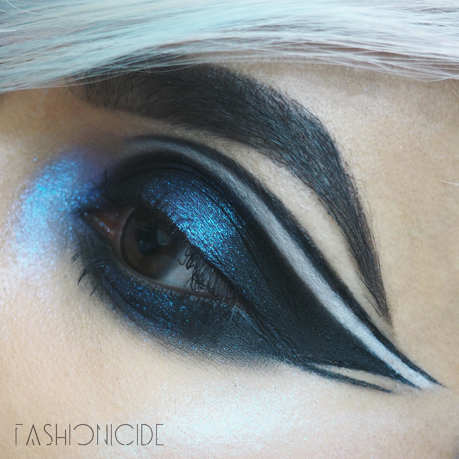 Models Own Holochrome Palette Review Makeup Look 2