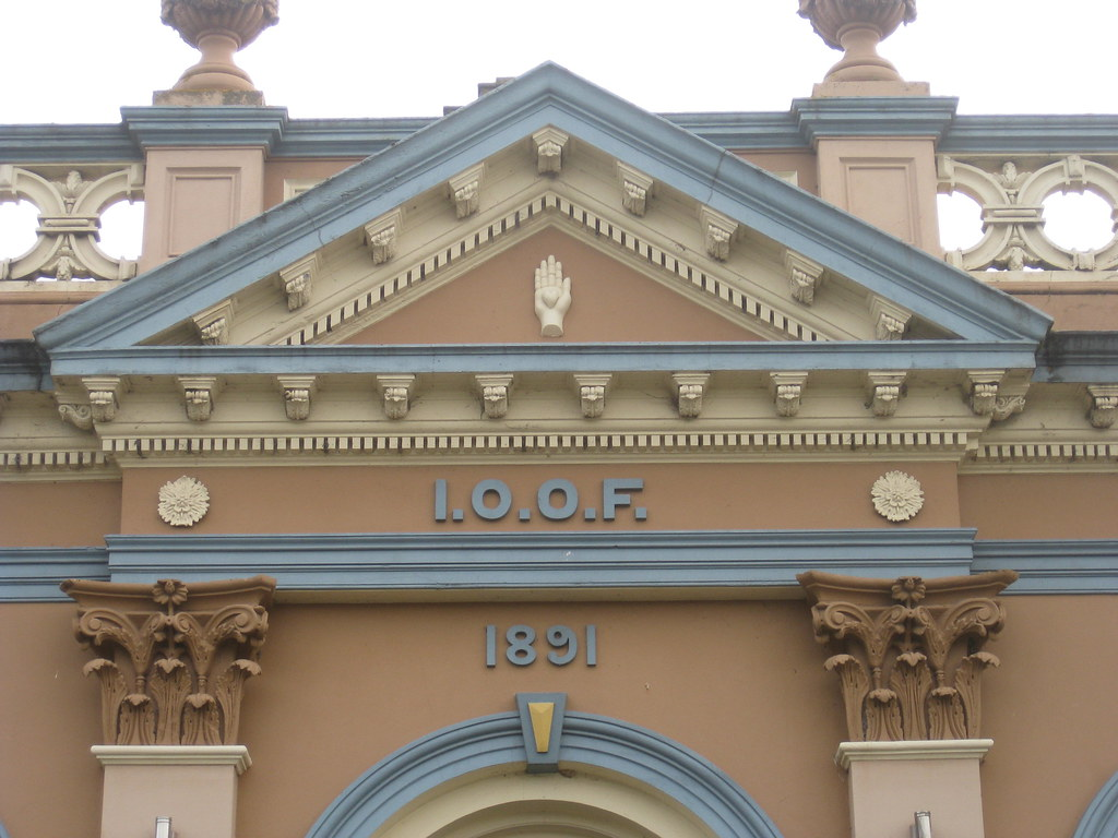 The Pediment And Parapet Of The Former Loyal Lodge 317 Of Flickr