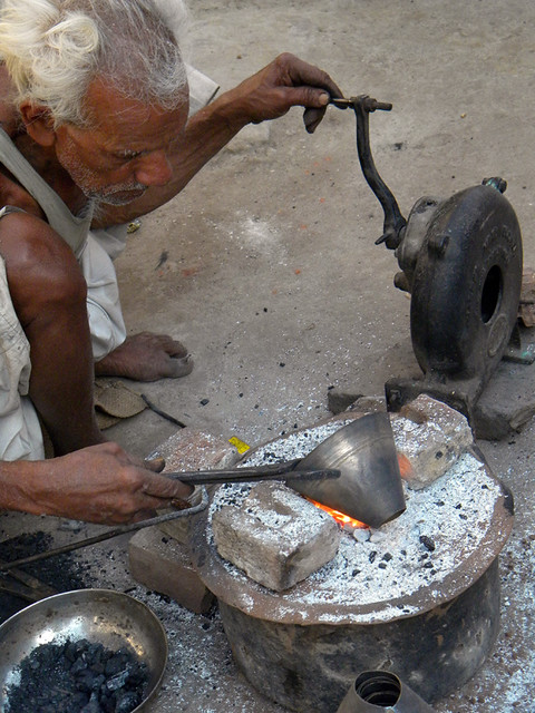 metal worker in Bundi, India